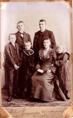 Linneman (front) around 1904